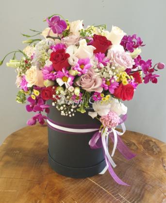 Renkli Gül ve Kır Çiçekleri-Lila Silindir Kutuda