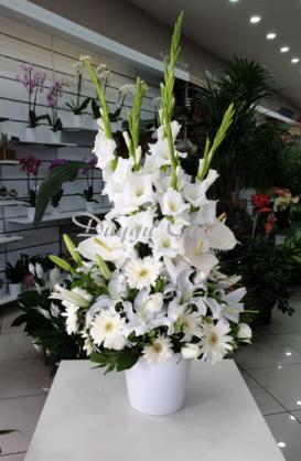 Gösterişli Beyaz Çiçek Aranjmanı