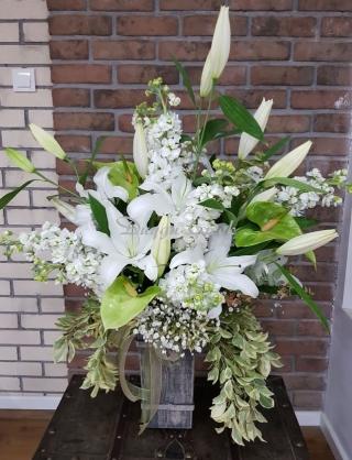 Antik Vazoda Soft Çiçek Arajmanı