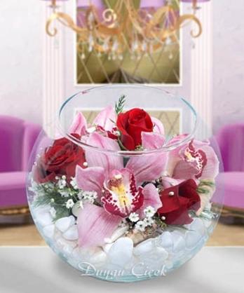 Fanusta Orkide ve Güller