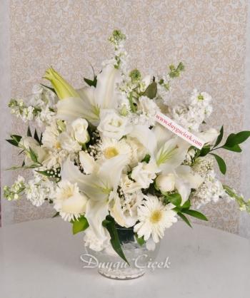 Romantik Beyaz Çiçek Aranjmanı